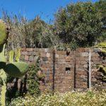 Doccia esterna in muratura del Dammuso
